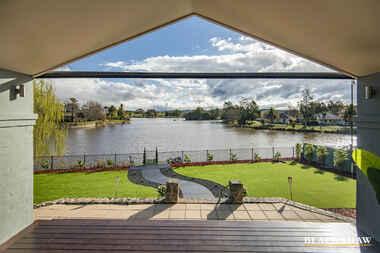 30 Lakeview Gardens Jerrabomberra