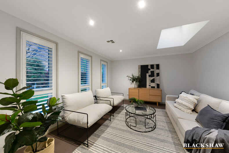 73 La Perouse Street Griffith