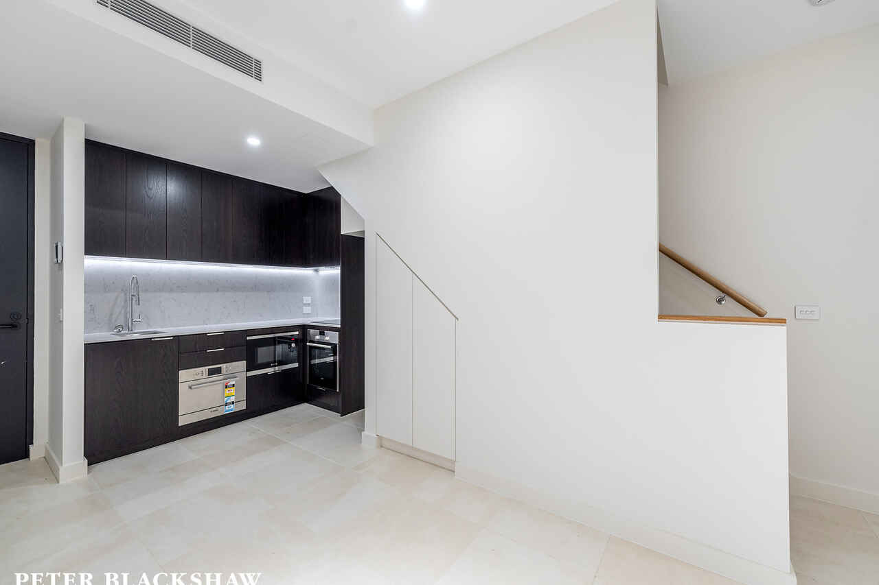 4/22 Canberra Avenue Forrest