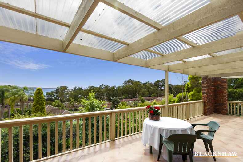 22 Hilltop Crescent Surf Beach