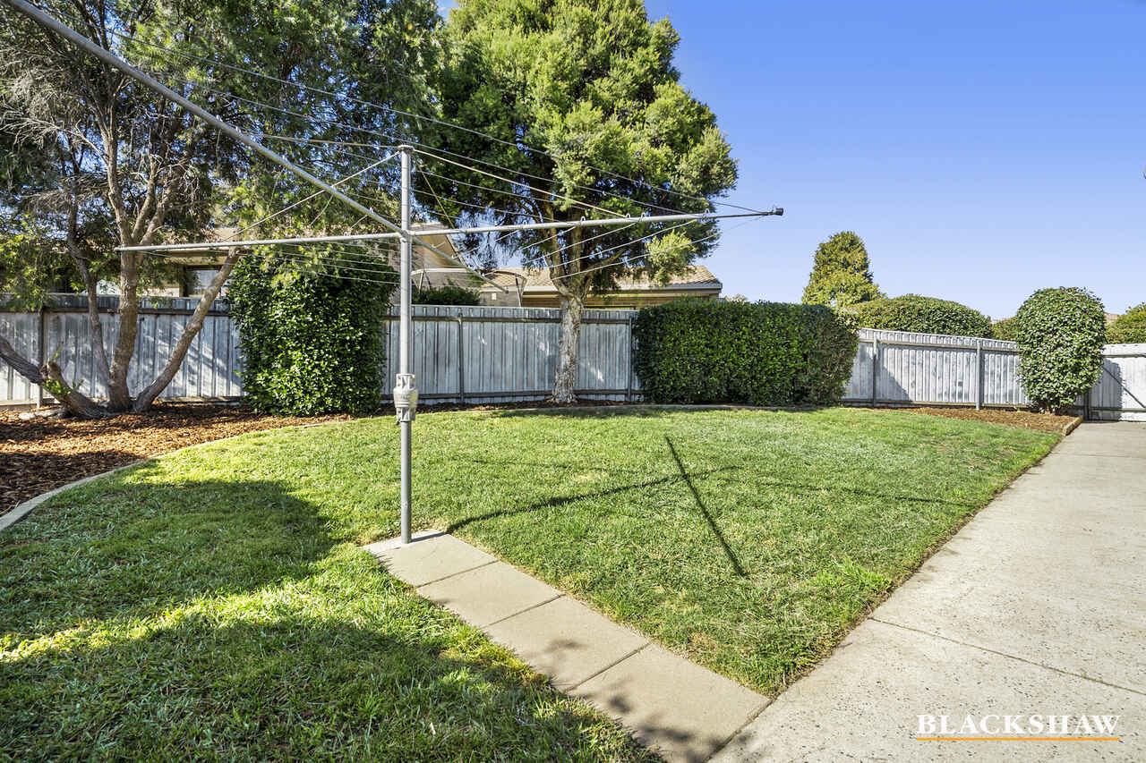 10/27 Lightfoot Crescent Florey